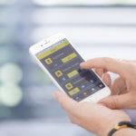 Schellenberg, Smart Home App, Smartphone, Räume, Zeigefinger