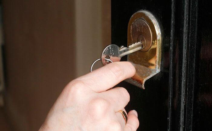 Berühmt ABUS Türschloss öffnet Haustür ohne Schlüssel EJ21