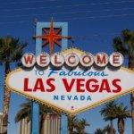 Las Vegas, Nevada, Blauer Himmel, Palmen, Hochhaus, Hotel