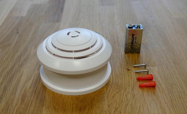 Rademacher Rauchmelder, Lieferumfang, Batterie, Schrauben, Tisch