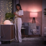 Funk-Steckdosen Lichterkette Lampe Wohnzimmer Frau